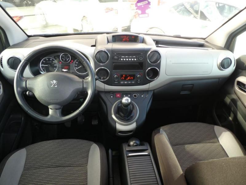 Photo 10 de l'offre de PEUGEOT PARTNER 1.6 E-HDI 92 ZENITH à 9450€ chez Mérignac auto
