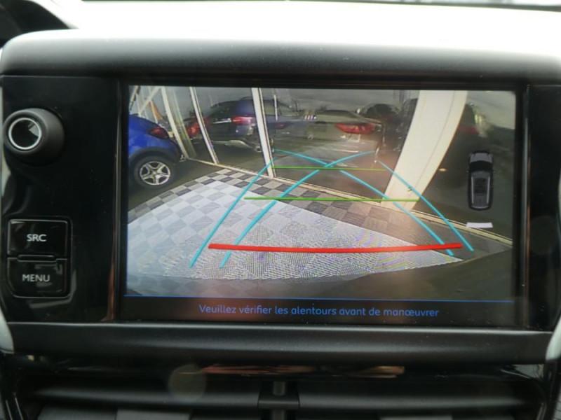 Photo 12 de l'offre de PEUGEOT 2008 II BlueHDi 100 ALLURE GPS Camera JA17 à 15450€ chez Mérignac auto