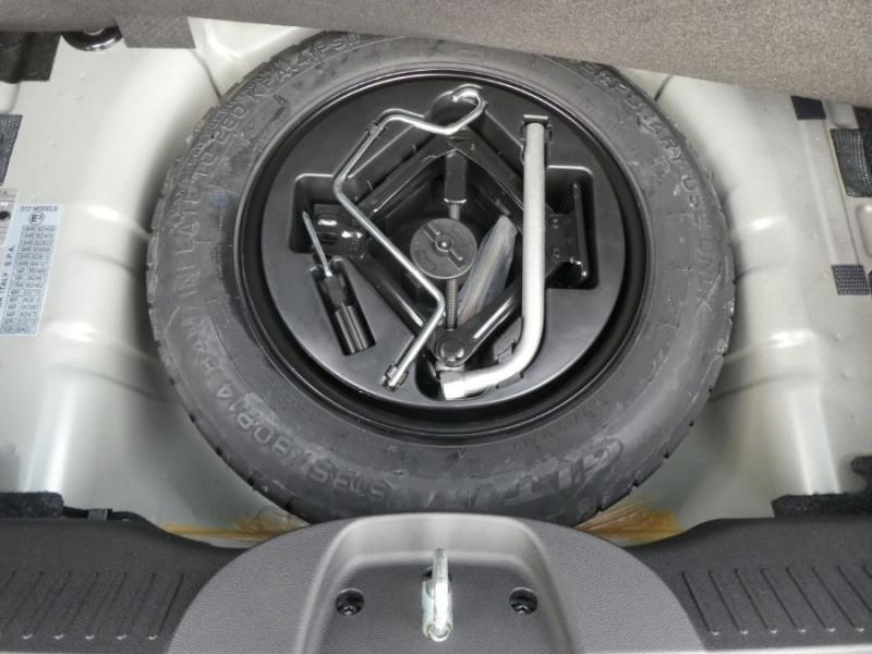 Photo 10 de l'offre de FIAT 500 1.2 69 Dualogic ROCKSTAR GPS TFT TOIT Pano JA16 à 15450€ chez Mérignac auto