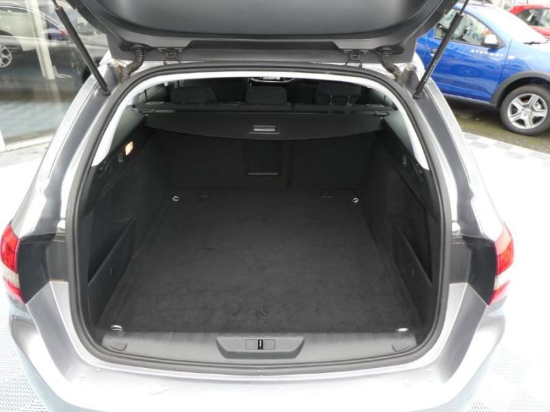 Photo 9 de l'offre de PEUGEOT 308 SW 1.6 BlueHDi 120 EAT6 ALLURE Radars à 12490€ chez Mérignac auto