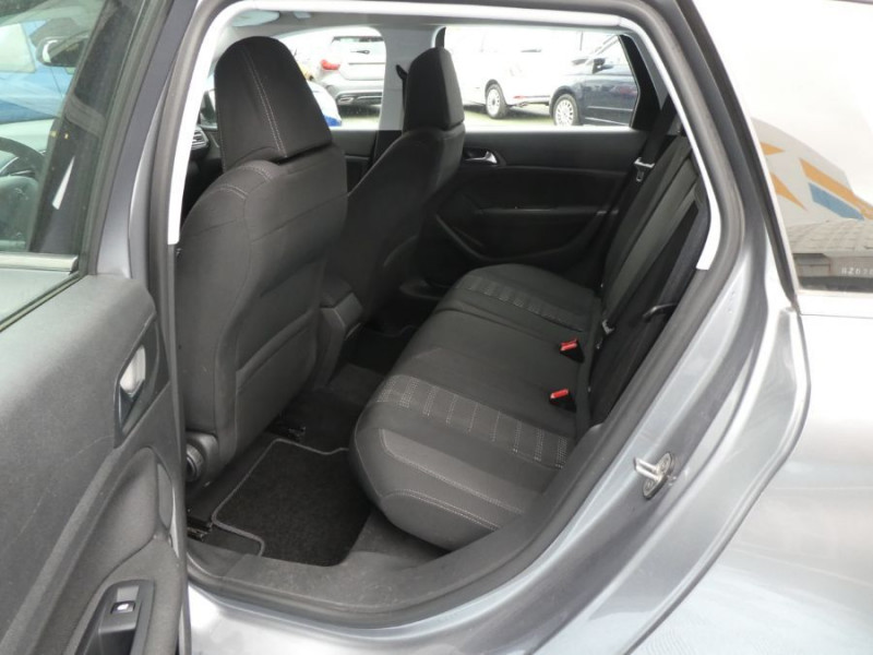 Photo 7 de l'offre de PEUGEOT 308 SW 1.6 BlueHDi 120 EAT6 ALLURE Radars à 12490€ chez Mérignac auto