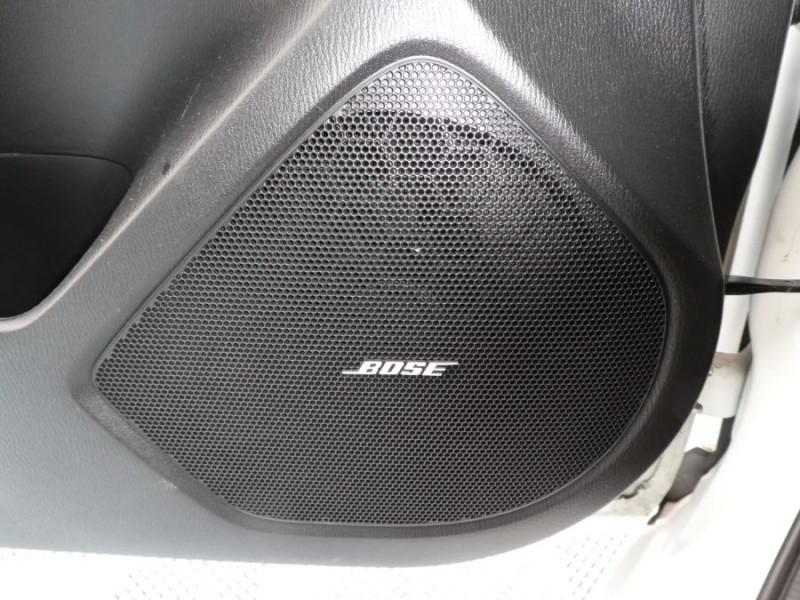 Photo 11 de l'offre de MAZDA 3 III BERLINE 2.2 SKYACTIV-D 150 DYNAMIQUE 4P Nbses Options 1ère Main à 14500€ chez Mérignac auto