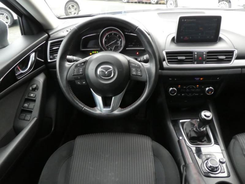 Photo 9 de l'offre de MAZDA 3 III BERLINE 2.2 SKYACTIV-D 150 DYNAMIQUE 4P Nbses Options 1ère Main à 14500€ chez Mérignac auto