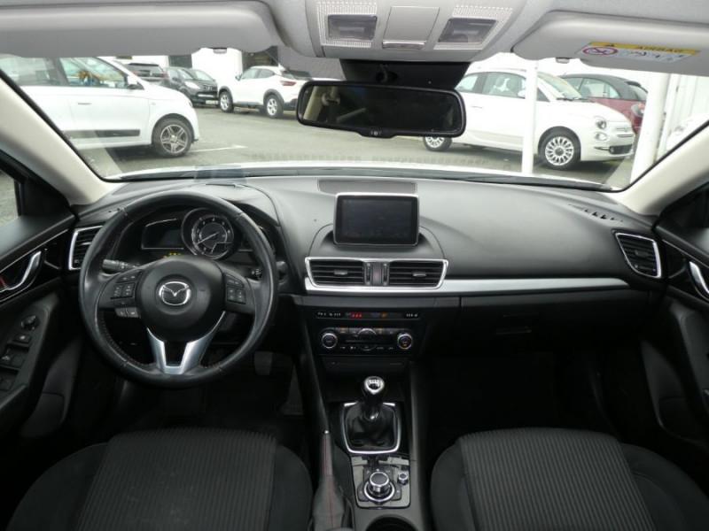 Photo 8 de l'offre de MAZDA 3 III BERLINE 2.2 SKYACTIV-D 150 DYNAMIQUE 4P Nbses Options 1ère Main à 14500€ chez Mérignac auto
