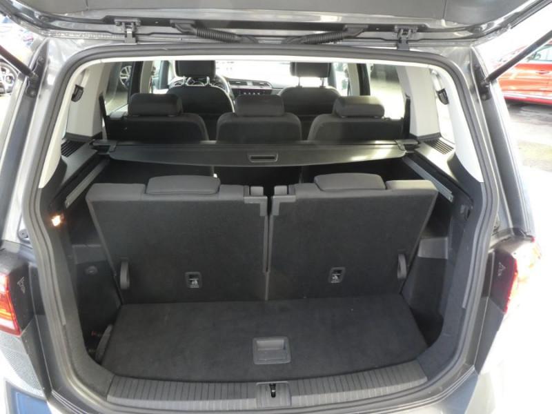Photo 10 de l'offre de VOLKSWAGEN TOURAN III 2.0 TDI 150 DSG7 IQ-DRIVE 7PL GPS SC ACC à 29990€ chez Mérignac auto