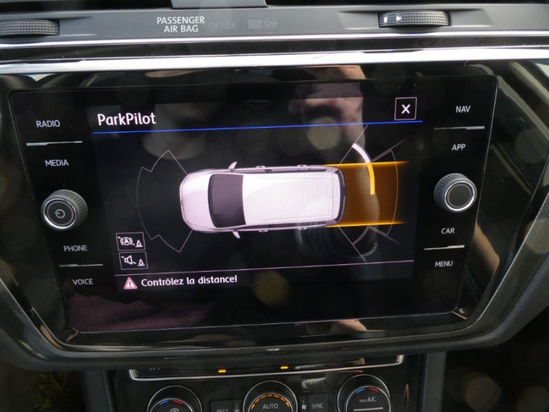 Photo 12 de l'offre de VOLKSWAGEN TOURAN III 2.0 TDI 150 DSG7 IQ-DRIVE 7PL GPS SC ACC à 29990€ chez Mérignac auto