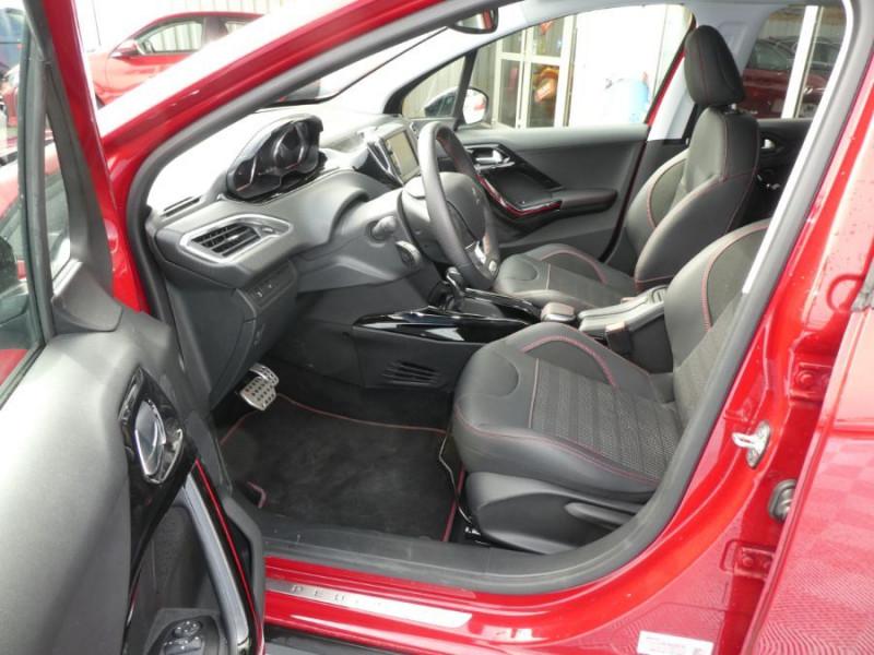 Photo 5 de l'offre de PEUGEOT 2008 II BlueHDi 120 EAT6 GT LINE Camera Grip Control à 21350€ chez Mérignac auto