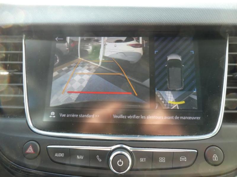 Photo 10 de l'offre de OPEL CROSSLAND X 1.2 Turbo 130 BVA6 DESIGN 120ans JA17 Caméra Radars à 18390€ chez Mérignac auto