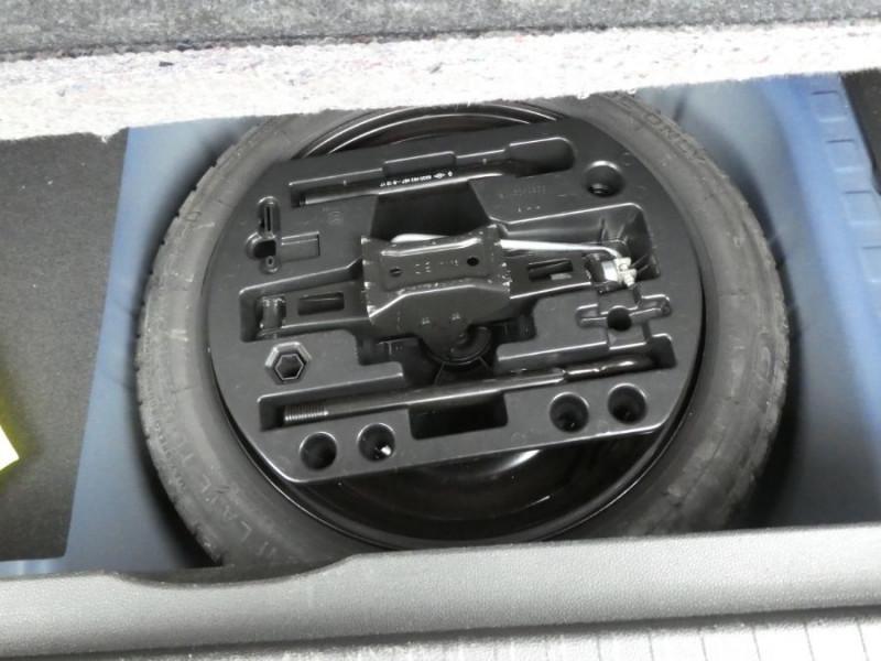 Photo 8 de l'offre de RENAULT CAPTUR 1.3 TCE 150 EDC S-EDITION Camera Park Assist 1ère Main à 14750€ chez Mérignac auto