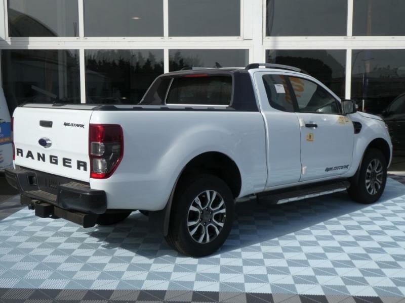 Photo 3 de l'offre de FORD RANGER SUPER CAB 2.0 TDCI 213 BVA10 4WD WILDTRAK Cover Pack Tech. 32875HT à 39450€ chez Mérignac auto