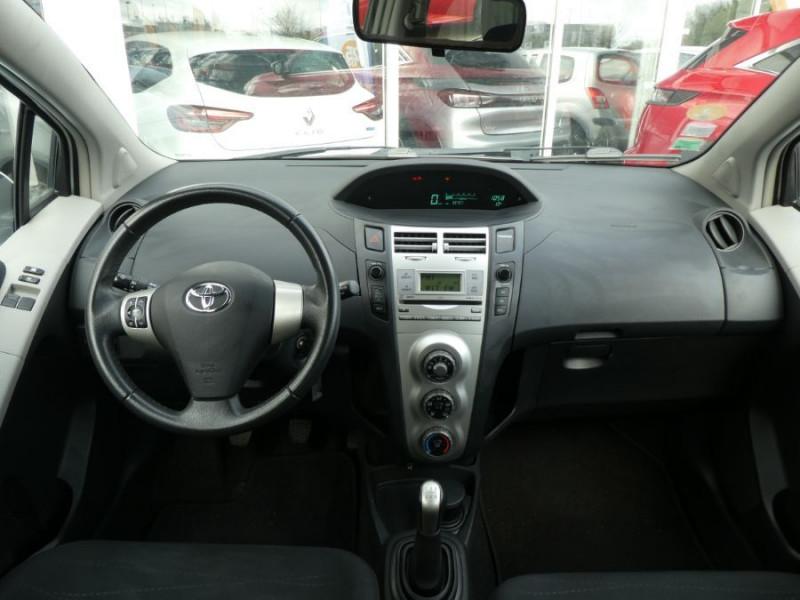Photo 6 de l'offre de TOYOTA YARIS 90 D-4D LIMITED EDITION 5p à 5990€ chez Mérignac auto