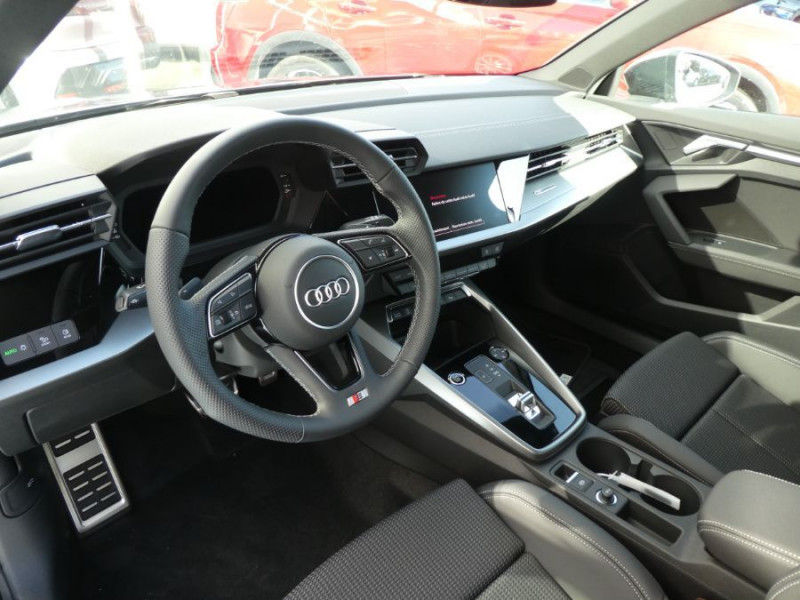 Photo 9 de l'offre de AUDI A3 SPORTBACK IV 35 TFSI 150 MHEV S Tronic 7 S LINE Mirror JA18 Audi Sport Etoile à 34980€ chez Mérignac auto