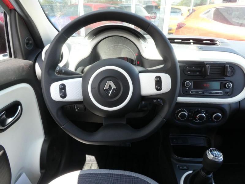 Photo 9 de l'offre de RENAULT TWINGO III (2) 1.0 SCe 75 LIMITED Bluetooth à 11750€ chez Mérignac auto