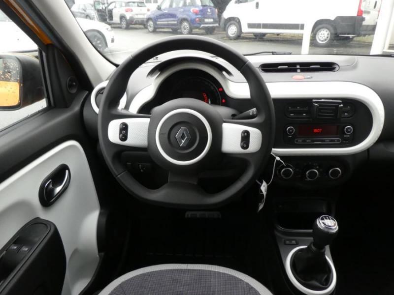 Photo 8 de l'offre de RENAULT TWINGO New SCe 75 LIMITED Grand Toit Ouvrant Elect. à 11970€ chez Mérignac auto