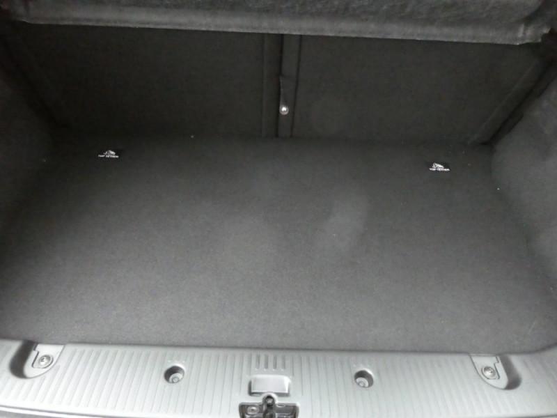 Photo 9 de l'offre de RENAULT TWINGO New SCe 75 LIMITED Grand Toit Ouvrant Elect. à 11970€ chez Mérignac auto