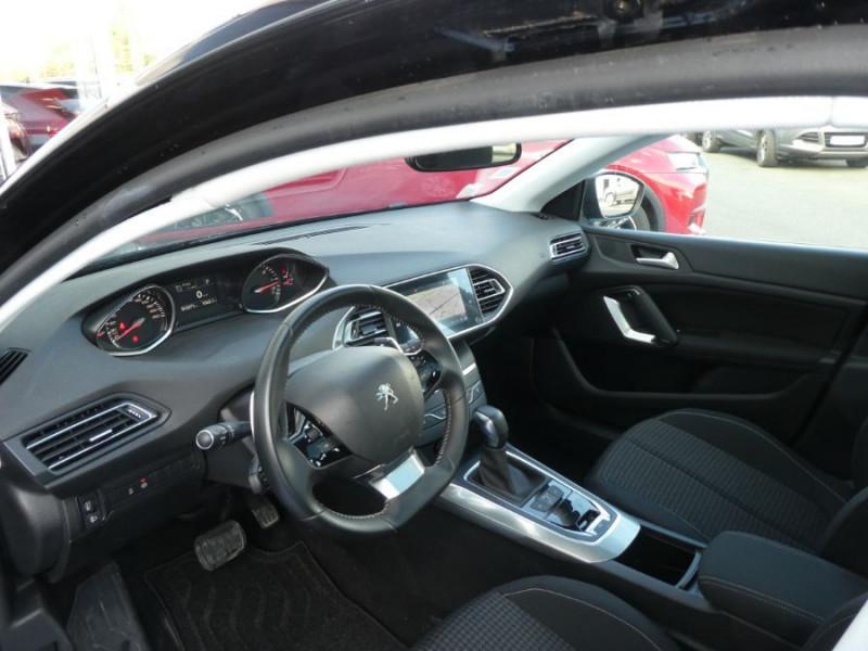 Photo 9 de l'offre de PEUGEOT 308 SW II (2) 1.5 BlueHDi 130 EAT6 BUSINESS GPS TOIT Pano à 17150€ chez Mérignac auto