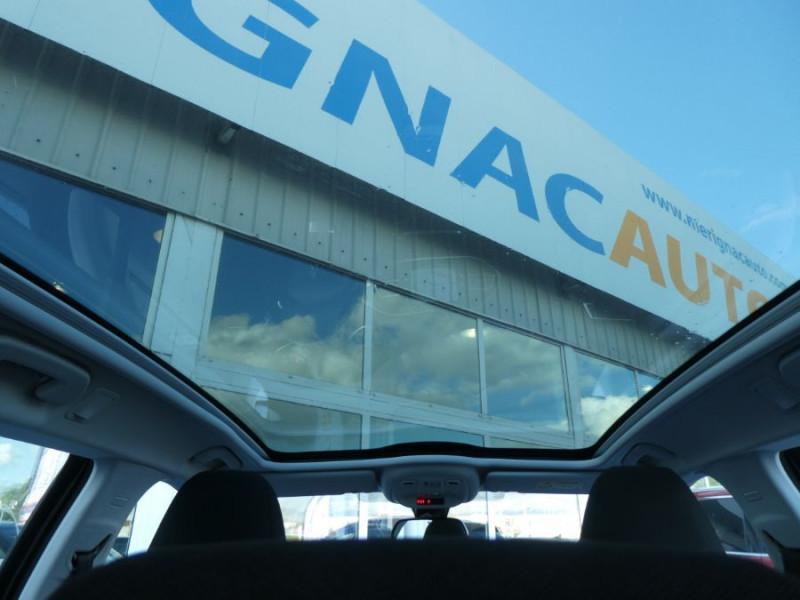 Photo 13 de l'offre de PEUGEOT 308 SW BlueHDI 130 EAT6 BUSINESS GPS TOIT Pano à 17490€ chez Mérignac auto
