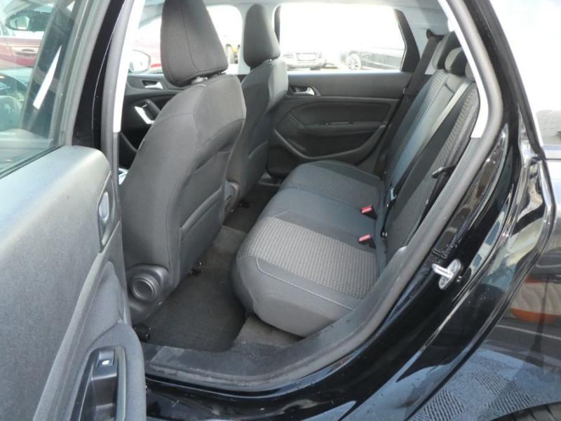 Photo 7 de l'offre de PEUGEOT 308 SW BlueHDI 130 EAT6 BUSINESS GPS TOIT Pano à 17490€ chez Mérignac auto