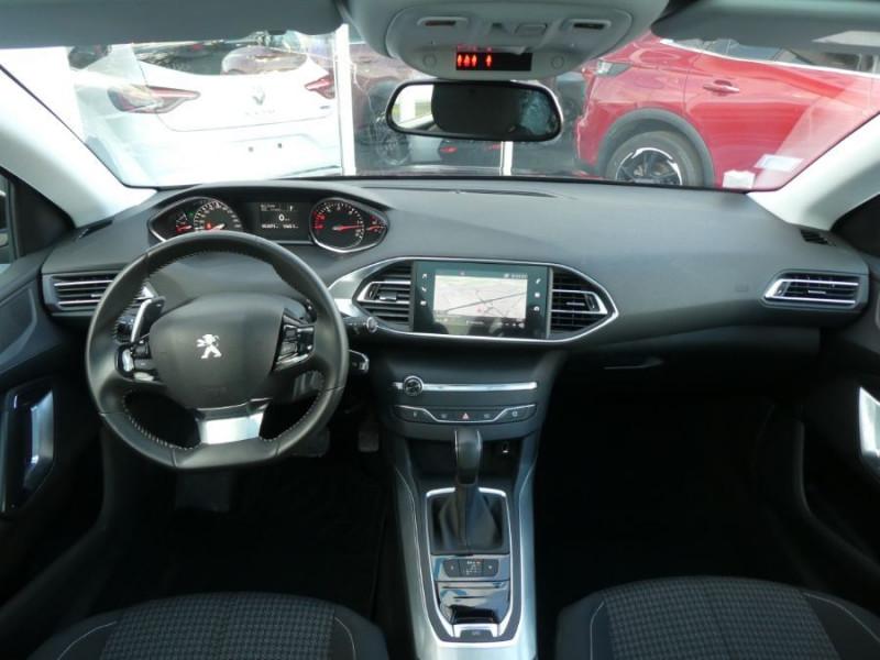 Photo 6 de l'offre de PEUGEOT 308 SW BlueHDI 130 EAT6 BUSINESS GPS TOIT Pano à 17490€ chez Mérignac auto