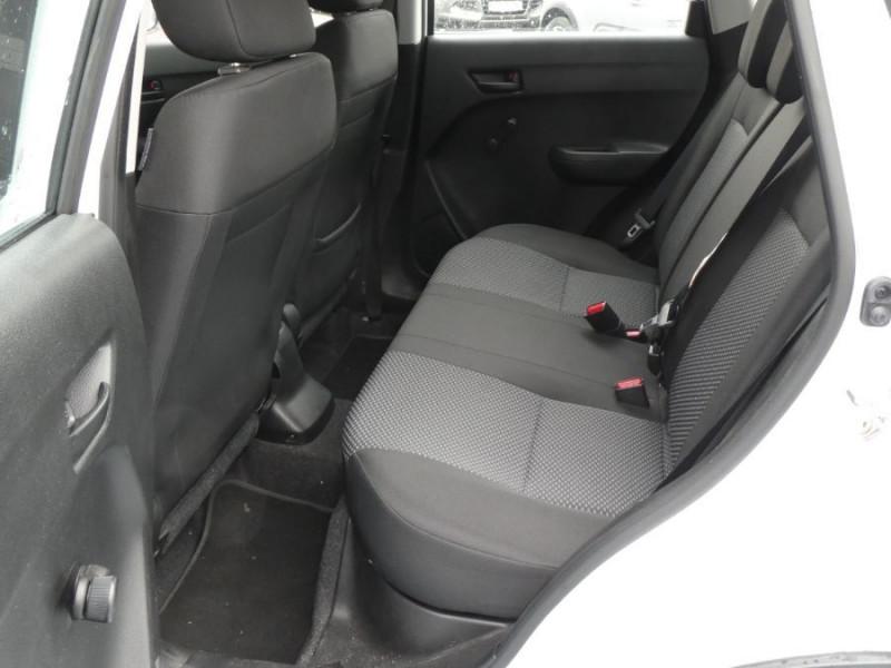 Photo 7 de l'offre de SUZUKI VITARA IV 1.0 BoosterJet 111 2WD AVANTAGE Bluetooth 1ère Main à 14990€ chez Mérignac auto