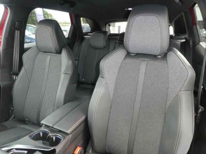 Photo 13 de l'offre de PEUGEOT 3008 BlueHDi 130 EAT8 GT LINE Camera à 29980€ chez Mérignac auto