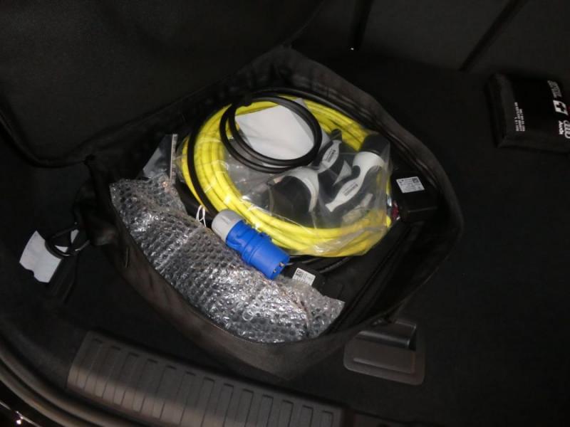 Photo 15 de l'offre de AUDI A3 SPORTBACK IV 40 TFSIe 204 S Tronic S LINE Mirror Key Less Induction à 39980€ chez Mérignac auto