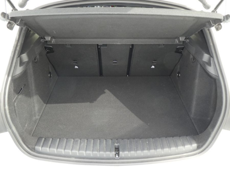 Photo 8 de l'offre de BMW SERIE 1 (F40) 118DA 150 BVA8 M SPORT GPS Privacy Glass Gtie 05/23 à 31990€ chez Mérignac auto