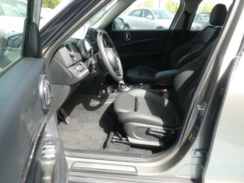 Photo 5 de l'offre de MINI COUNTRYMAN (F60) HYBRID ELECT. ALL4 224cv BVA6 COOPER SE GPS Camera JA18 Gtie 12/23 à 34450€ chez Mérignac auto