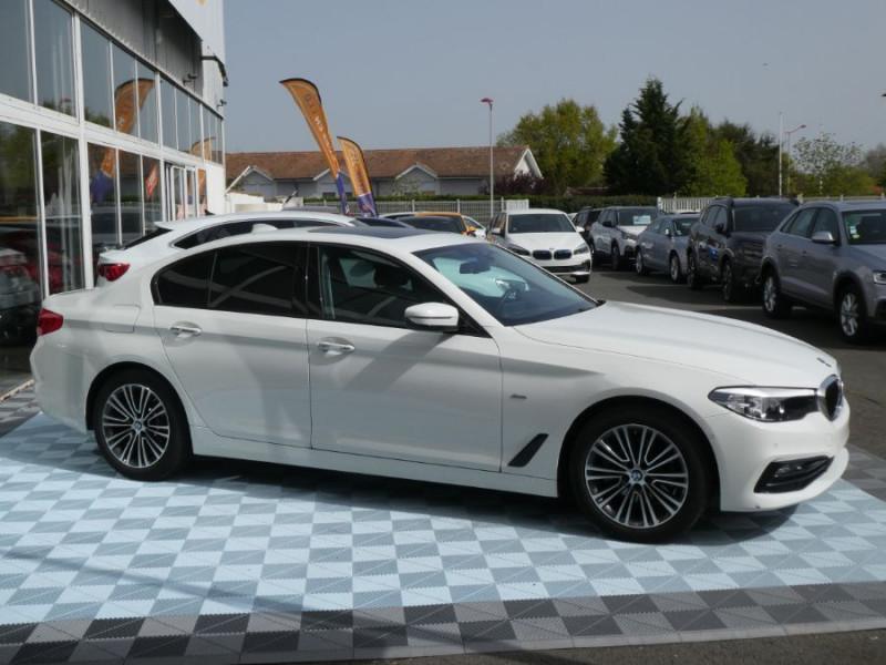 Photo 2 de l'offre de BMW SERIE 5 (G30) 520DA 190 BVA8 SPORTLINE CUIR TOE JA18 Gtie 01/23 à 39290€ chez Mérignac auto