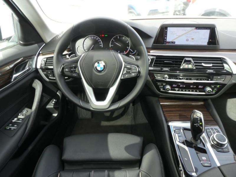 Photo 11 de l'offre de BMW SERIE 5 (G30) 520DA 190 BVA8 SPORTLINE CUIR TOE JA18 Gtie 01/23 à 39290€ chez Mérignac auto