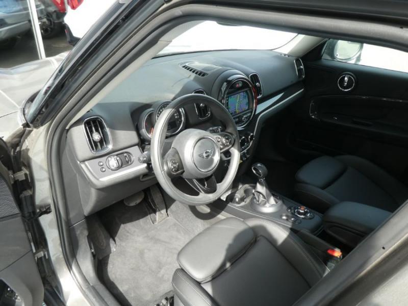 Photo 9 de l'offre de MINI COUNTRYMAN (F60) HYBRID ELECT. ALL4 224cv BVA6 COOPER SE GPS Camera JA18 Gtie 12/23 à 34450€ chez Mérignac auto