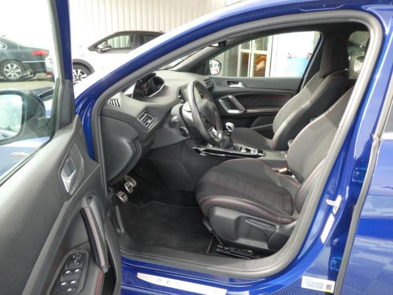 Photo 5 de l'offre de PEUGEOT 308 1.2 PureTech 130 BV6 GT LINE à 16450€ chez Mérignac auto
