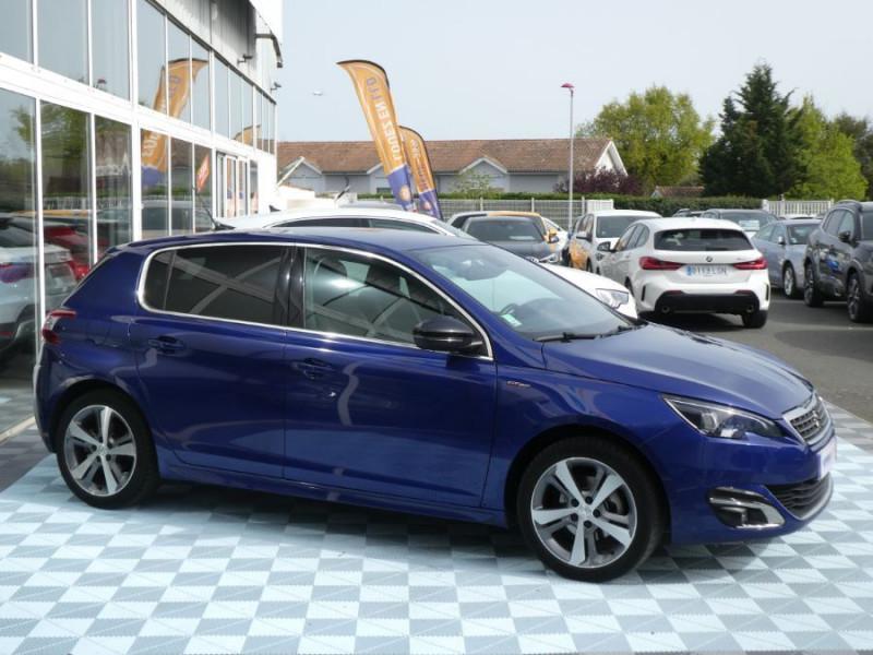 Photo 2 de l'offre de PEUGEOT 308 1.2 PureTech 130 BV6 GT LINE à 16450€ chez Mérignac auto