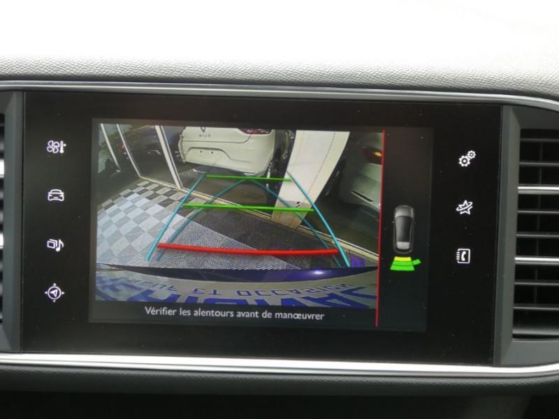 Photo 14 de l'offre de PEUGEOT 308 1.2 PureTech 130 BV6 GT LINE à 16450€ chez Mérignac auto
