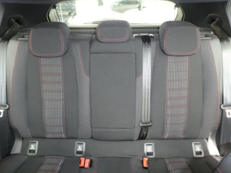 Photo 12 de l'offre de PEUGEOT 308 1.2 PureTech 130 BV6 GT LINE à 16450€ chez Mérignac auto