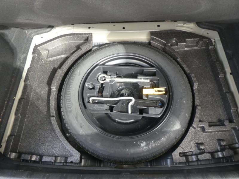 Photo 15 de l'offre de PEUGEOT 308 1.6 BlueHDi 120 BV6 ALLURE TOIT Pano Camera 1ère Main à 16450€ chez Mérignac auto