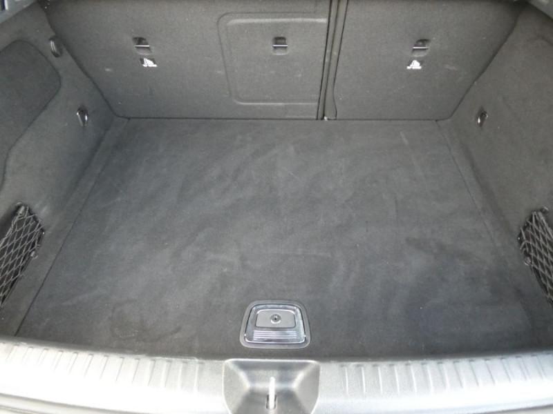 Photo 8 de l'offre de MERCEDES-BENZ GLA 200 d 7G-DCT GPS JA18 Caméra Radars Hayon EL. à 28950€ chez Mérignac auto