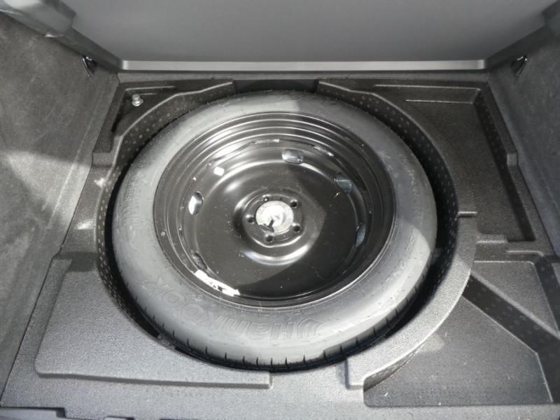 Photo 19 de l'offre de AUDI Q3 II 2.0 TDI 150 S Tronic QUATTRO Ambiente Radars TOE Pano Hayon él. à 23950€ chez Mérignac auto