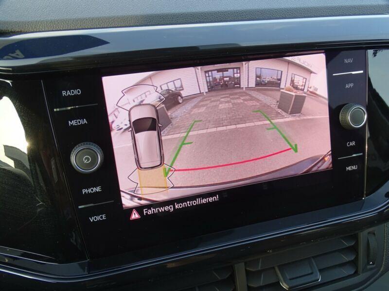 Photo 7 de l'offre de VOLKSWAGEN T-CROSS 1.0 TSI 110 DSG7 LOUNGE PACK BLACK Camera JA17 (8 Options) à 24750€ chez Mérignac auto
