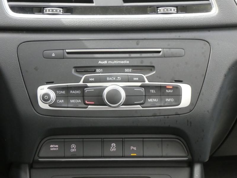 Photo 15 de l'offre de AUDI Q3 II 2.0 TDI 150 S Tronic QUATTRO Ambiente Radars TOE Pano Hayon él. à 23950€ chez Mérignac auto