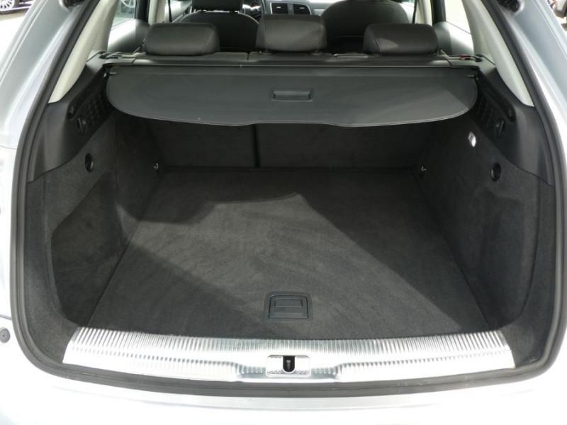 Photo 8 de l'offre de AUDI Q3 II 2.0 TDI 150 S Tronic QUATTRO Ambiente Radars TOE Pano Hayon él. à 23950€ chez Mérignac auto