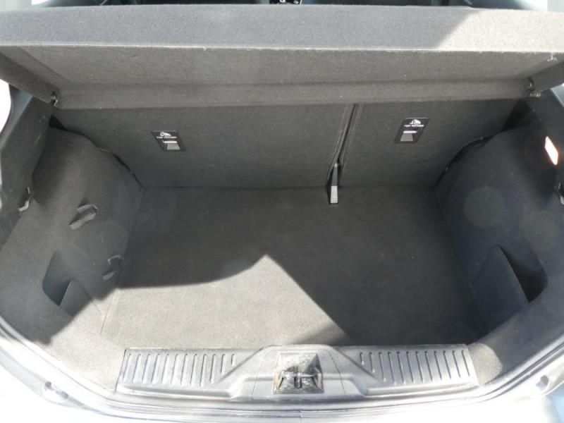 Photo 8 de l'offre de FORD FIESTA VI 1.5 TDCI 85 BV6 PLUS Bluetooth 5P à 11490€ chez Mérignac auto