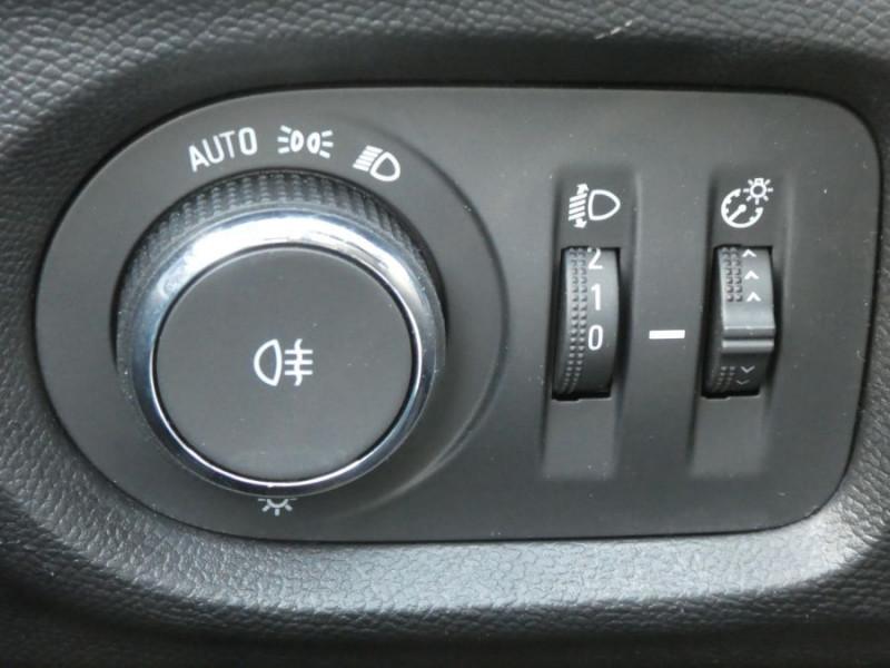 Photo 13 de l'offre de OPEL CORSA 1.2 75 EDITION Bluetooth à 12980€ chez Mérignac auto