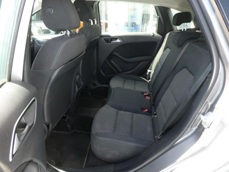 Photo 7 de l'offre de MERCEDES-BENZ CLASSE B 180D BV6 BUSINESS GPS Camera 1ère Main à 14490€ chez Mérignac auto