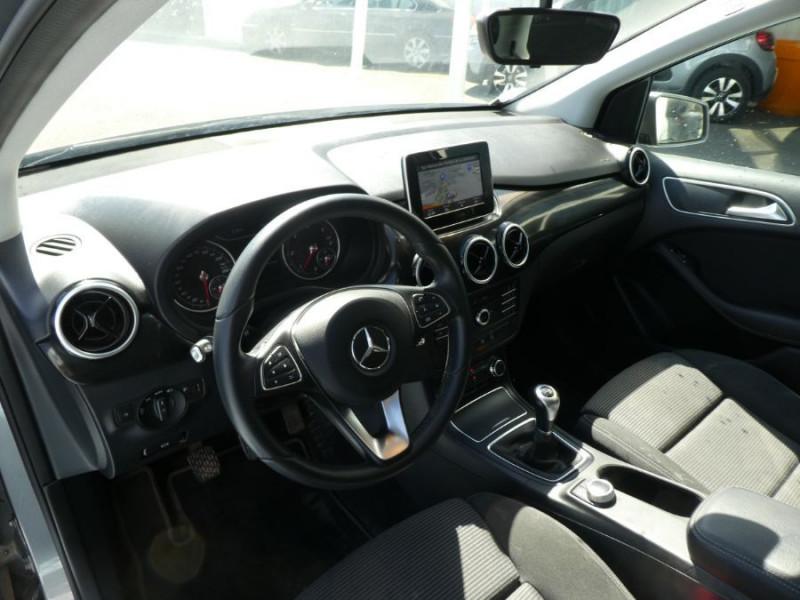 Photo 9 de l'offre de MERCEDES-BENZ CLASSE B 180D BV6 BUSINESS GPS Camera 1ère Main à 14490€ chez Mérignac auto