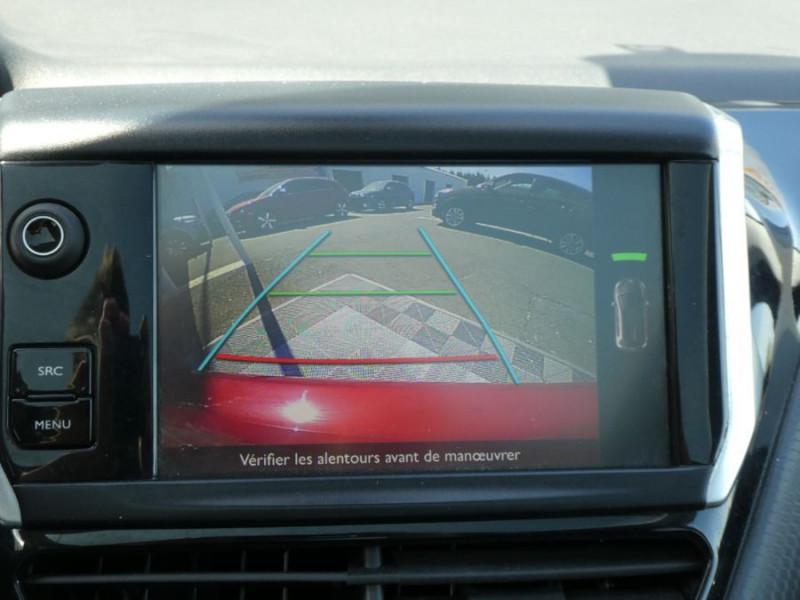 Photo 13 de l'offre de PEUGEOT 208 1.6 BlueHDi 120 GT LINE TOIT Pano GPS JA17 Camera à 13950€ chez Mérignac auto