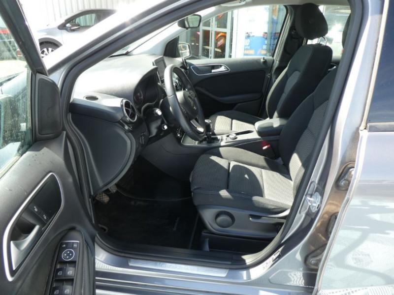 Photo 5 de l'offre de MERCEDES-BENZ CLASSE B 180D BV6 BUSINESS GPS Camera 1ère Main à 14490€ chez Mérignac auto