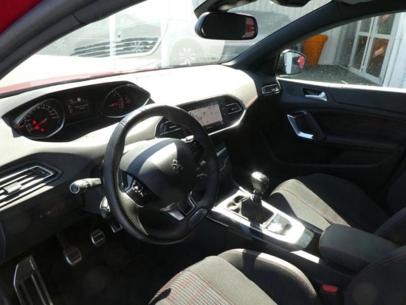 Photo 9 de l'offre de PEUGEOT 308 II (2) 1.5 BlueHDi 130 BV6 GT Camera à 21980€ chez Mérignac auto