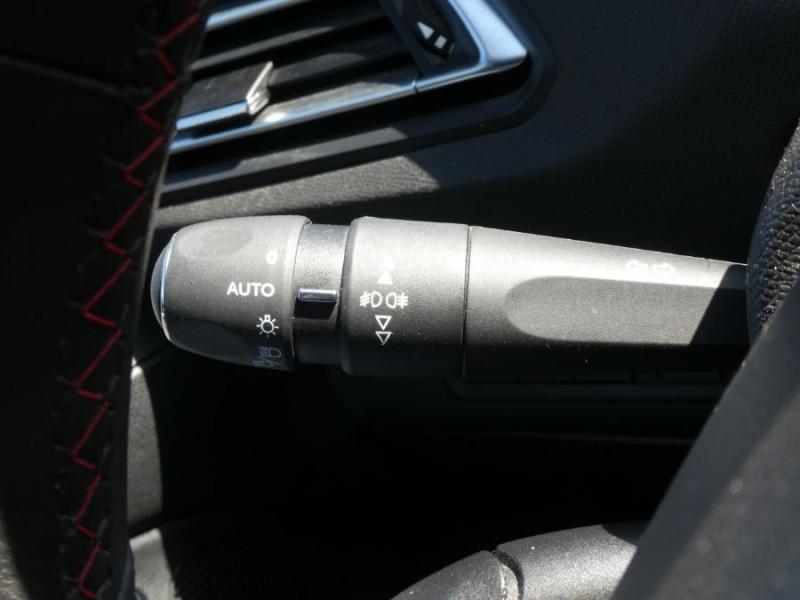 Photo 18 de l'offre de PEUGEOT 308 II (2) 1.5 BlueHDi 130 BV6 GT Camera à 21980€ chez Mérignac auto