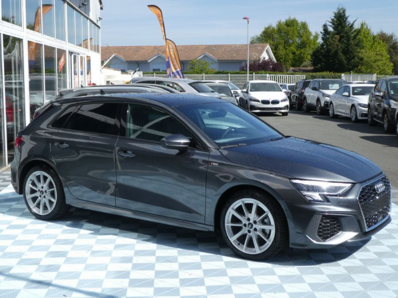 Photo 2 de l'offre de AUDI A3 SPORTBACK IV 35 TFSI 150 MHEV S Tronic 7 S LINE Mirror JA18 Audi Sport Etoile à 34980€ chez Mérignac auto